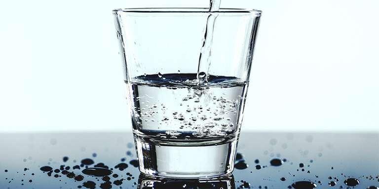 نقش آب در کاهش وزن