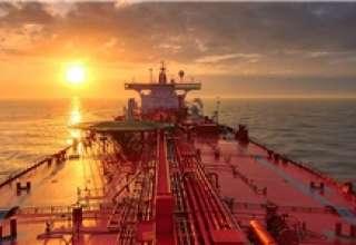 کاهش 500 هزار بشکهای صادرات نفت ایران با شروع تحریمها/ قیمت نفت به 100 دلار باز میگردد