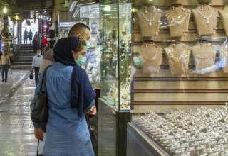 ریزش قیمت طلا،سکه و دلار امروز هم ادامه یافت