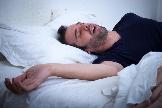 برای کاهش علائم اختلال آپنه خواب چه بخوریم، چه نخوریم؟