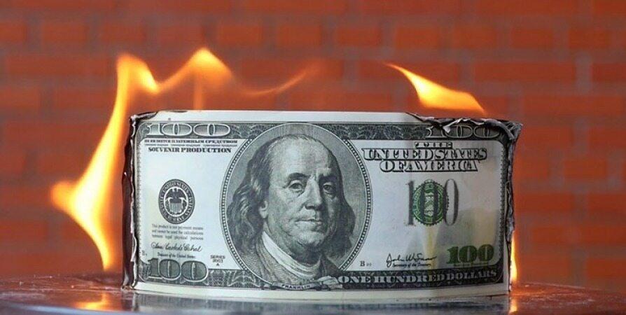 وضعیت دلار و طلا در سال آینده چگونه است؟