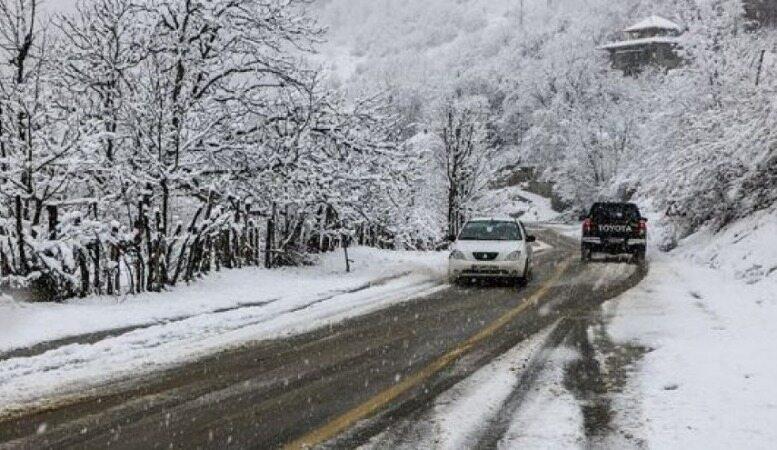 هواشناسی ایران ۹۸/۱۱/۲۶|برف وباران در ۱۹ استان/ مردم از سفرهای غیرضروری خودداری کنند