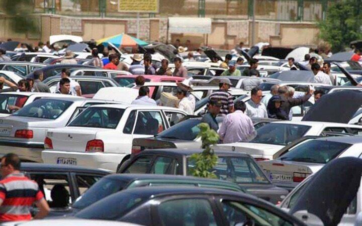علت بالا و پایین شدن قیمت خودرو