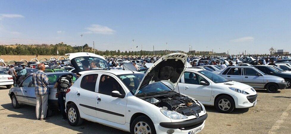 وضعیت بازار خودرو بعد از بحران کرونا /کاهش ۱۵ درصدی قیمت خودرو در بازار/قیمت روز خودرو در ۲۳ اسفند