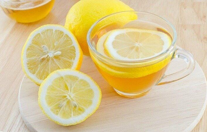 ۱۰ مزیت نوشیدن آب لیمو هر روز صبح