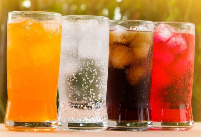 خوردن این ۱۰ نوشیدنی سرطانزا ممنوع /چگونه نوشیدن نوشابه را ترک کنیم؟