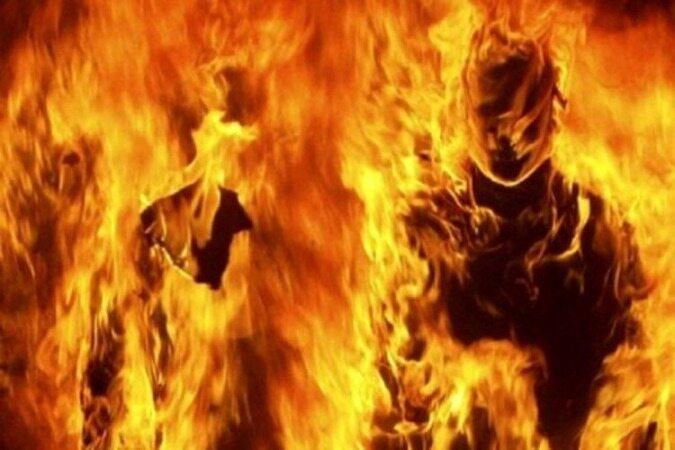 زن جوان در بیمارستان جان داد، شوهرش خودش و پسر۷ساله اش را آتش زد!
