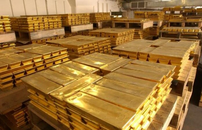 سقوط طلا ادامه دارد/طلا در پایین ترین قیمت چند روز اخیر قرار گرفت