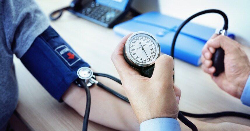 غذا خوردن، راهکاری موثر برای کنترل فشار خون