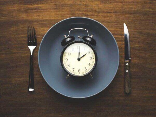 یا در این ساعات غذا بخورید و یا هیچ وقت غذا نخورید