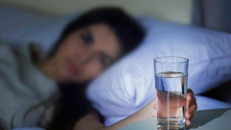 آب خوردن بالافاصله قبل از خواب ممنوع