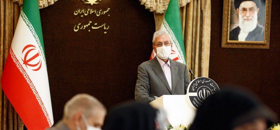 ربیعی: دولت کماکان طرح فروش اوراق سلف نفتی را در دستورکار دارد/کره جنوبی در بازگرداندن مطالبات مالی ایران کارشکنی میکند