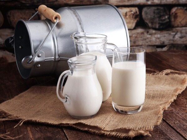 شیر یک تهدید بزرگ برای سلامتی شما به خوردن آن ادامه می دهید؟