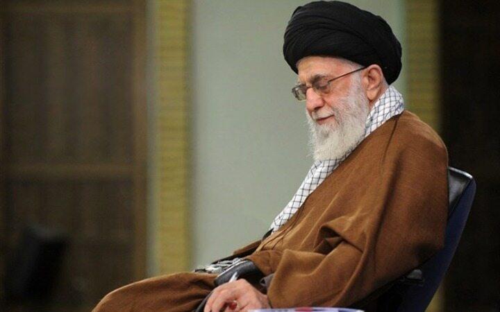 استفتاء از رهبرانقلاب درباره عمل خرافی کوبیدن درِ مساجد در پایان ماه صفر