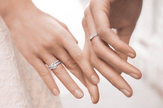 چرا حلقه ازدواج را دست چپ میاندازند؟