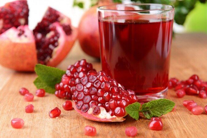 15 دلیل برای اینکه پیش از خوردن انار آب آن را گرفته و آب انار بخورید