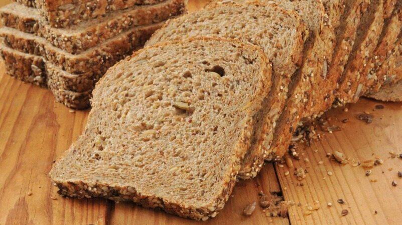 با جایگزین کردن این دو نان با نان های معمول دیگر از چاقی و بیماری نخواهید ترسید