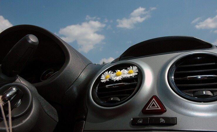 با این روش ها از بوی سیگار و دیگر بو های بد داخل خودرو خلاص شوید
