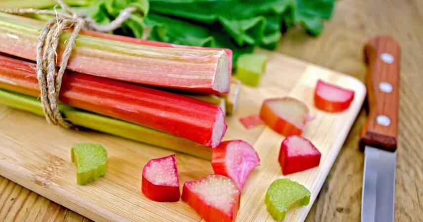 یازده سبزی قرمز رنگ که هیچگاه نباید از خوردن آنها غافل شوید