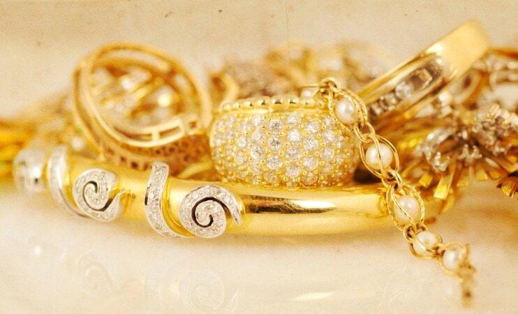 خانم ها، طلا بخرید تا بیشتر عمر کنید