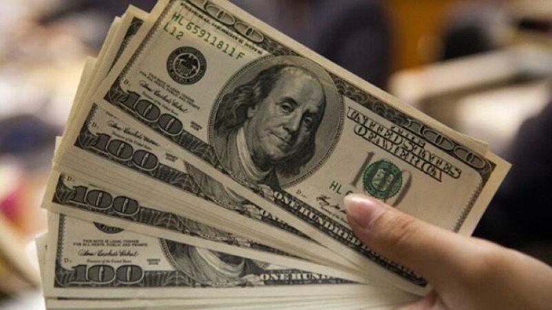 چرا قیمت دلار در روز های اخیر افزایش یافت و آیا باز هم افزایش می یابد؟