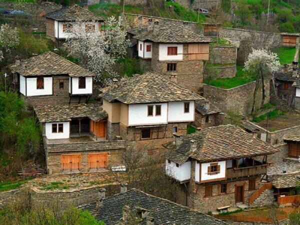 مرموز ترین روستای دنیا در ایران قرار دارد