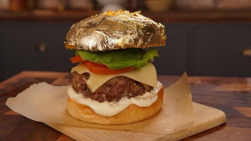 همبرگر لاچری پوشیده شده با ورق طلا + تصاویر