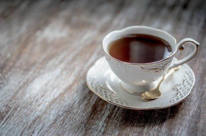 هیچگاه قبل یا پس از خوردن غذا چای ننوشید