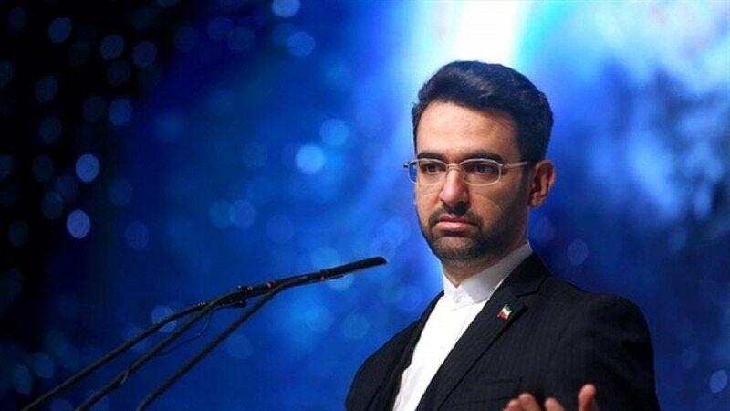 آذری جهرمی: چرا باید از هواداران استقلال عذرخواهی کنم؟