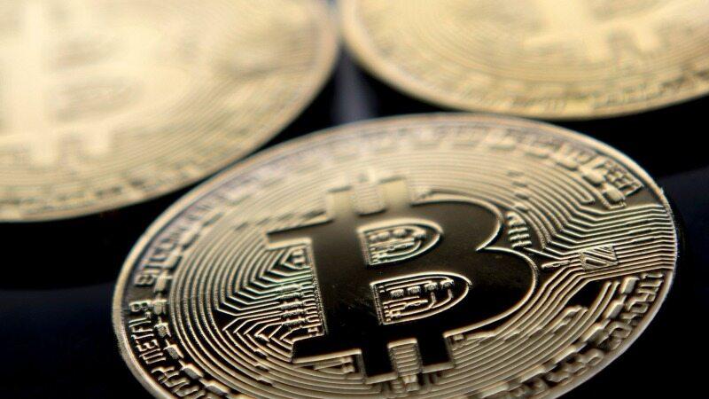 پیش بینی سقوط بیت کوین به زیر 50000 دلار