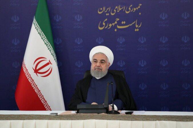 روحانی:آمریکا آمده توبه کند/چرا از پیروزیهای مردم فیلم نمیسازید؟