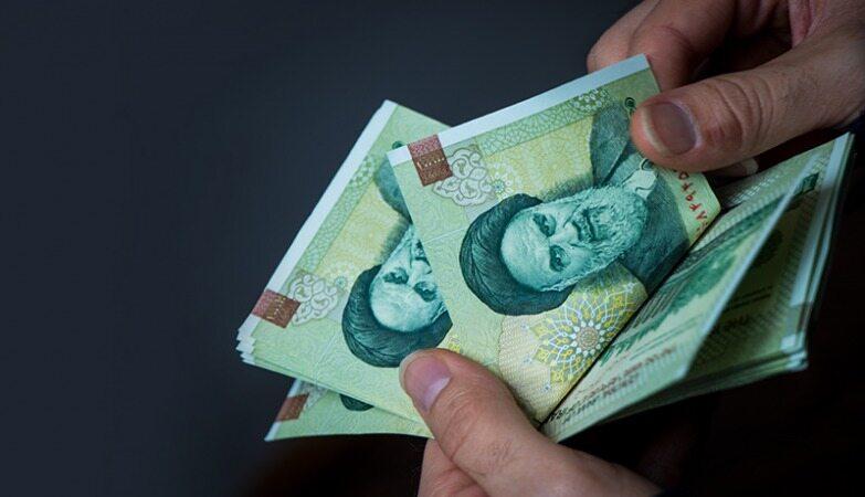 میزان افزایش ضریب حقوق کارمندان و بازنشستگان در سال ۱۴۰۰ تعیین شد