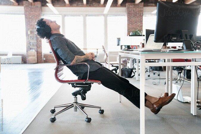 اگر از زیاد نشستن خسته شده اید این تمرینات را انجام دهید