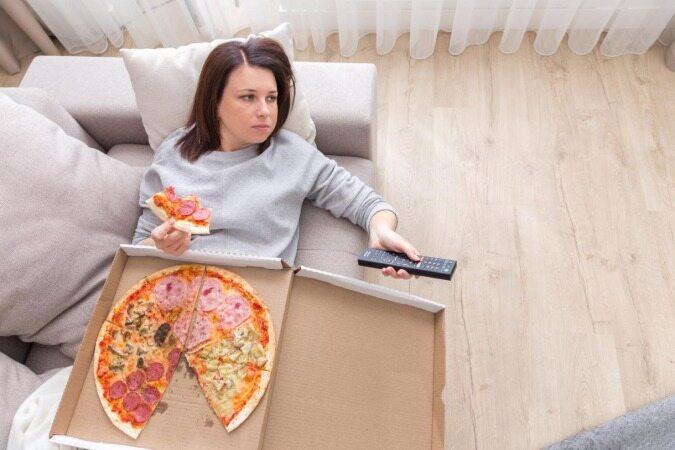 چگونه خوردن غذا تحت تاثیر استرس را کنترل کنیم