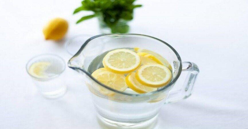 برای سالم ماندن هر روز آب با لیمو بنوشید