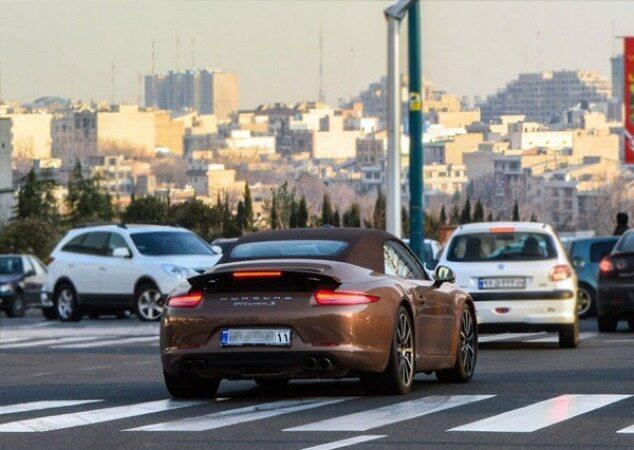 اخذ مالیات از مالکان خودروهای میلیاردی کلید خورد