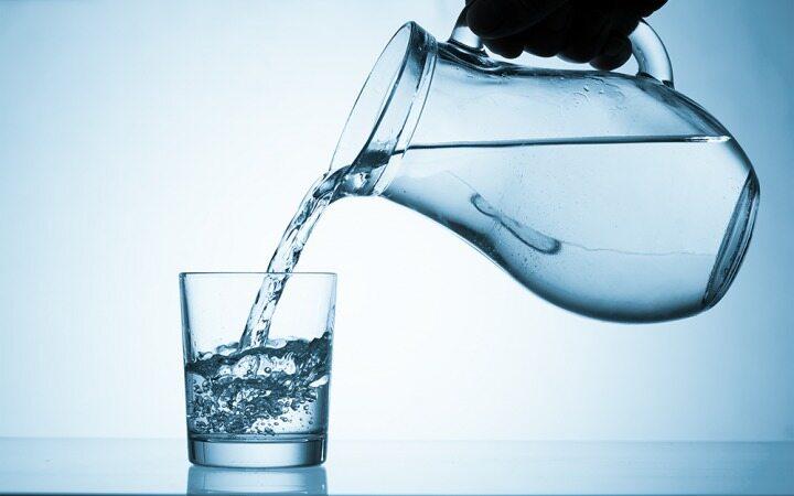 آیا خوردن آب هم باعث چاقی شما می شود؟