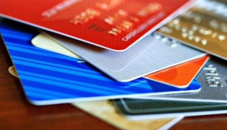 در کشور هر نفر چند کارت بانکی دارد؟