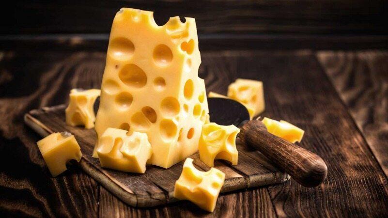 آیا خوردن پنیر باعث پایین آمدن ضریب هوشی و خنگ شدن می شود؟