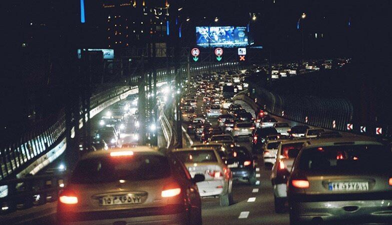 سردرگمی مردم در پی عدم ابلاغ لغو ممنوعیت تردد شبانه به پلیس/ افزایش تردد شبانه و ثبت جریمه!