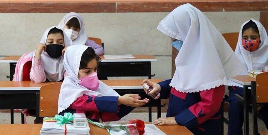 کدام گروه از دانشآموزان از سوم مهر به مدرسه میروند؟